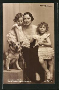 AK Kronprinzessin Märtha mit ihren Töchtern