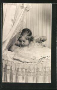 AK Prinzessin Margaretha von Schweden und die neugeborene Prinzessin Birgitta