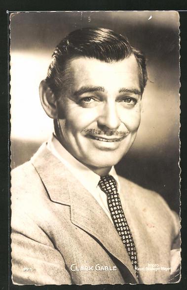 AK Schauspieler Clark Gable schmunzelt in die Kamera