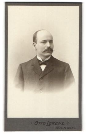 Fotografie Otto Lorenz, Solingen, Portrait bürgerlicher Herr mit Oberlippenbart