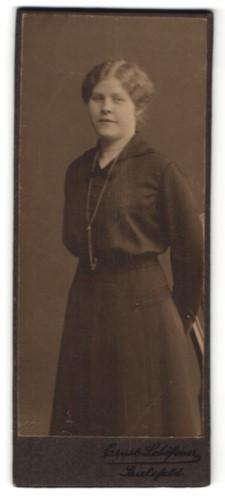Fotografie Ernst Schöfener, Bielefeld, Portrait Fräulein mit zeitgenöss. Frisur
