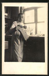 Foto-AK Möbeltischler in Werkstatt