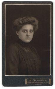 Fotografie H. Schmeck, Siegen, Portrait junge Dame mit Hochsteckfrisur