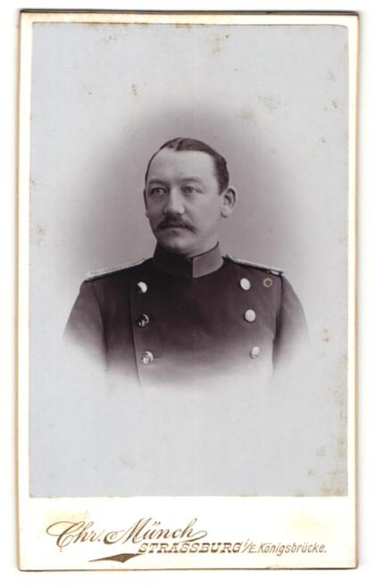 Fotografie Chr. Münch, Strassburg i/E, Portrait Leutnant in Uniform