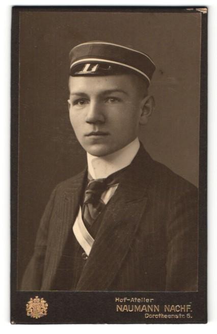Fotografie Naumann Nachf., Leipzig, Portrait junger Student mit Korpsmütze