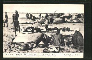 AK Fort Lamy, Un marché sur les bords du Chari