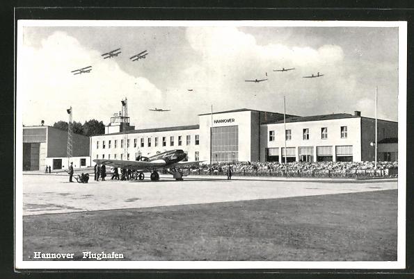 AK Hannover, Flugzeuge über dem Flughafengebäude