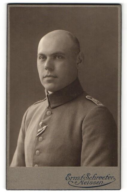 Fotografie Ernst Schroeter, Meissen, Portrait Leutnant in Feldgrau
