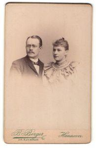 Fotografie B. Berger, Hannover, Portrait junges bürgerliches Paar