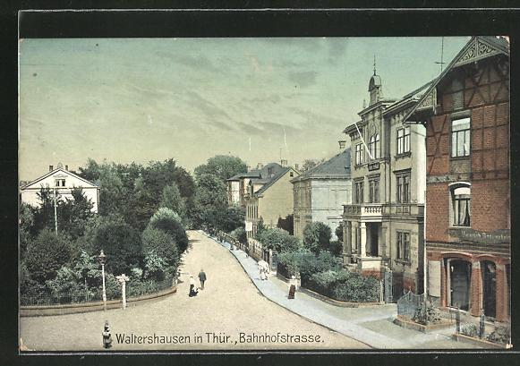 AK Waltershausen i. Thür., Partie mit Bahnhofstrasse