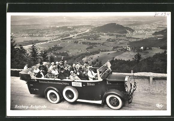 AK Reisebus auf der Autostrasse mit Blick auf Salzburg