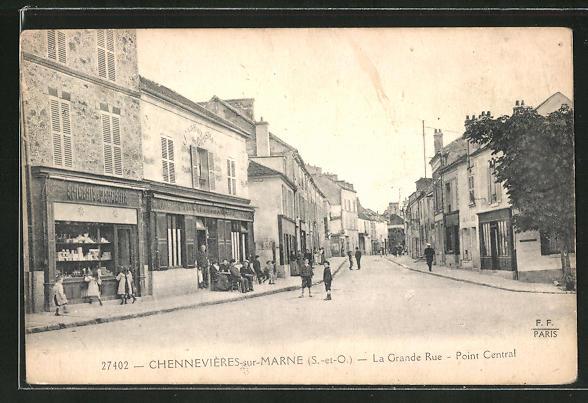 AK Chennevieres-sur-Marne, La Grande Rue, Point Central 0