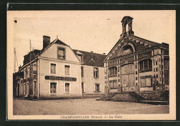 AK Champignelles, La Halle 0