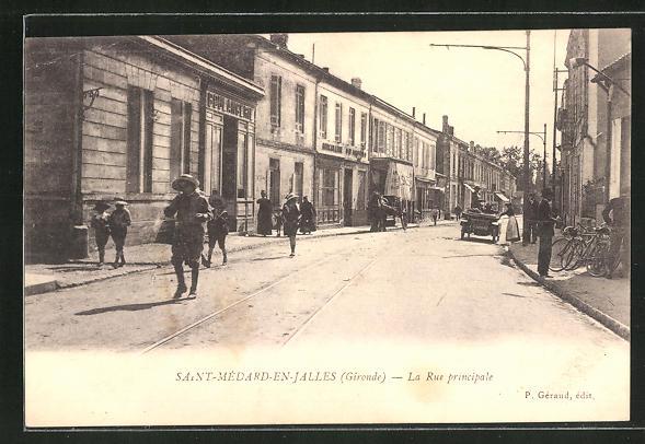 AK Saint-Medard-en-Jalles, La Rue principale 0