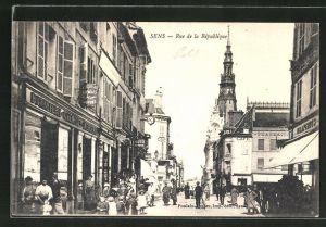 AK Sens, Rue de la Republique
