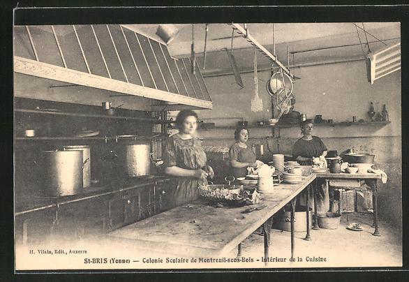 AK St-Bris, Colonie Scolaire de Montreuil-sous-Bois, Interieur de la Cuisine