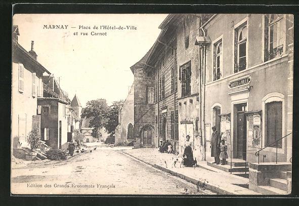 AK Marnay, Place de l'Hotel-de-Ville et rue Carnot 0