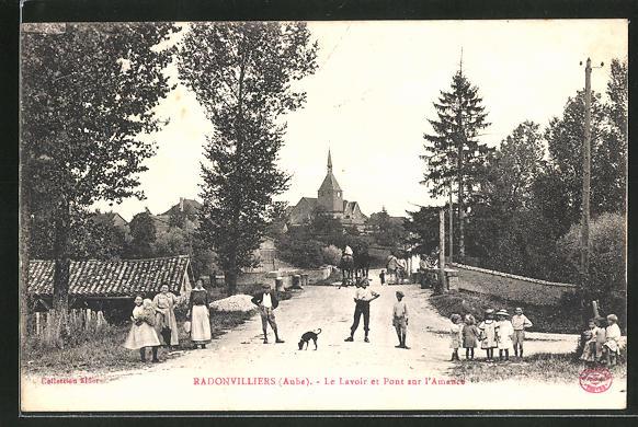 AK Radonvilliers, Le Lavoir et Pont sur l'Amance 0