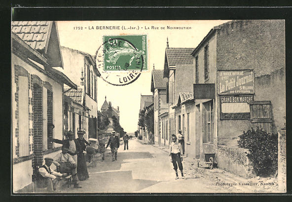 AK La Bernerie, La Rue de Noirmoutier 0