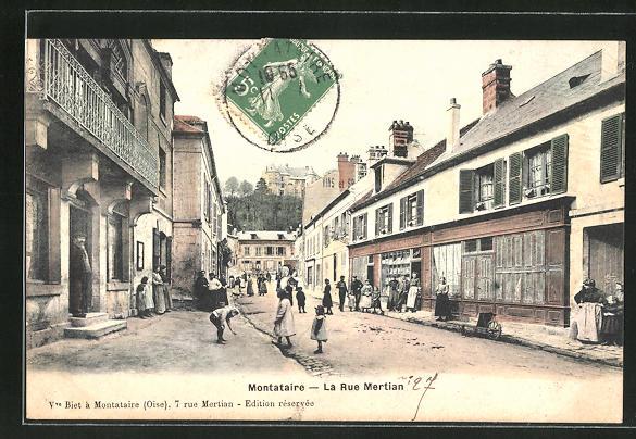 AK Montataire, La Rue Martin 0
