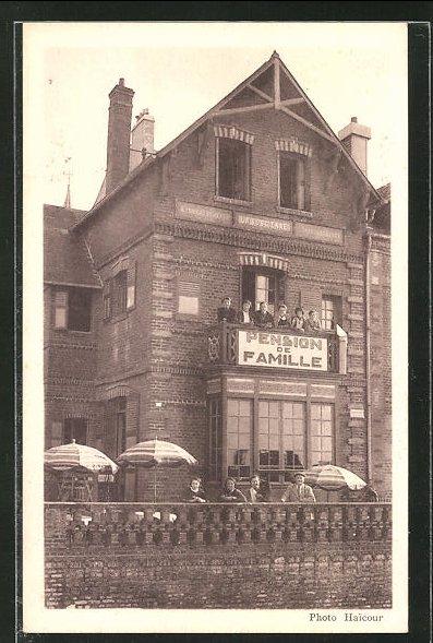 AK Onival-Sur-Mer, Pension de Famille, Menschen auf dem Balkon 0