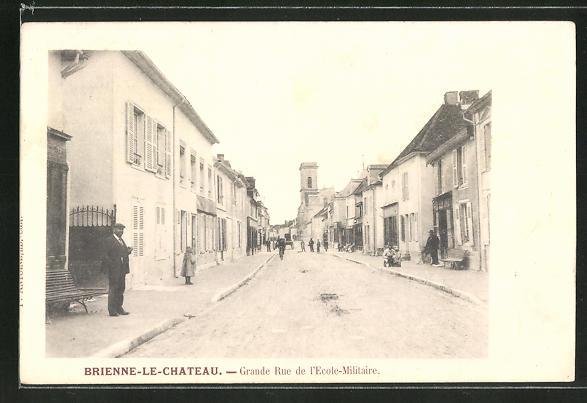 AK Brienne-le-Chateau, Grande Rue de l'Ecole-Militaire 0