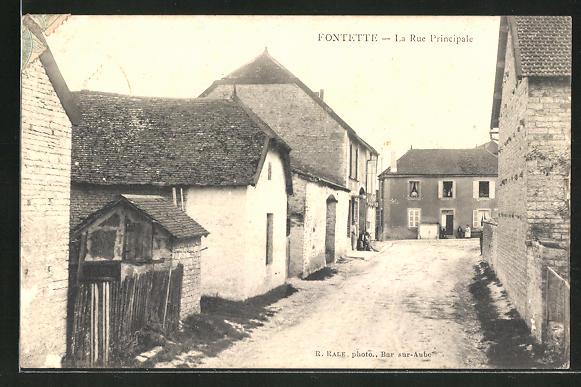 AK Fontette, La Rue Principale 0
