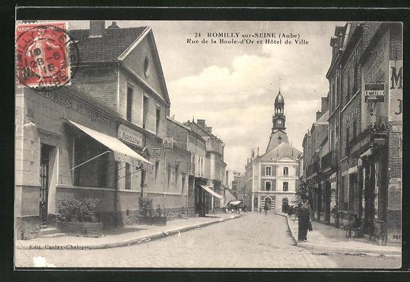 AK Romilly-sur-Seine, Rue de la Boule-d'Or et Hotel de Ville 0