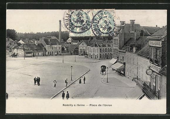 AK Romilly-sur-Seine, Place de L'Union 0