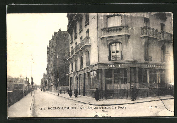 AK Bois-Colombes, Rue des Aubépines , La Poste 0