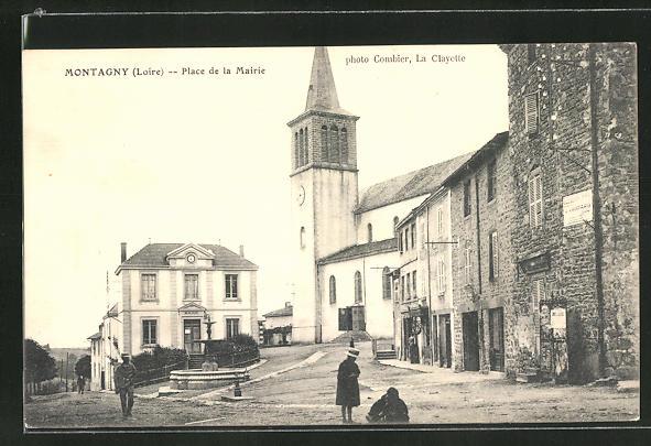 AK Montagny / Loire, Place de la Mairie 0