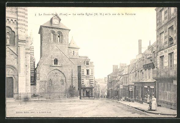 AK La Ferte-Macé / Orne, La vieille Église et la rue de la Teinture 0