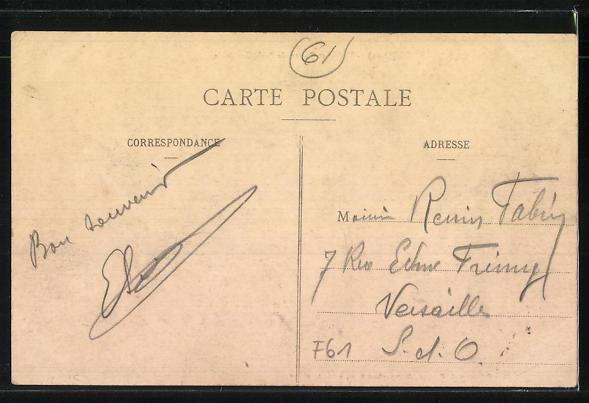 AK Ste-Gauburge / Orne, Mairie et Route de Paris-Granville 1