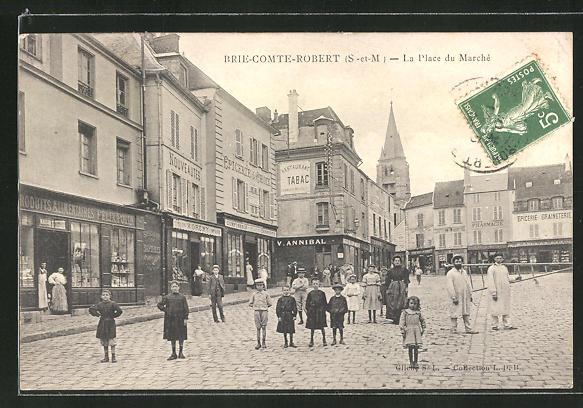 AK Brie-Comte-Robert, La Place du Marché, Marktplatz 0