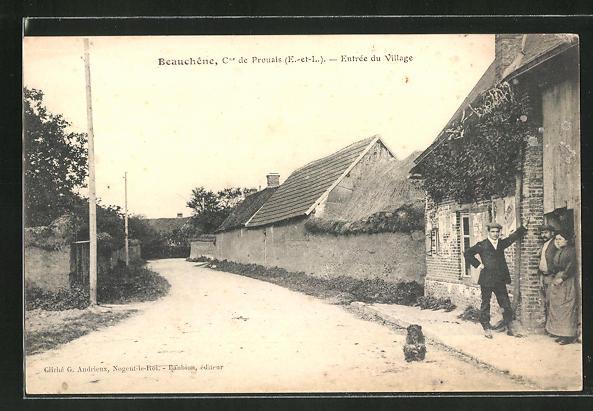 AK Beauchene, Cne de Prouais, Entrée du Village, Strassenpartie am Ortseingang 0