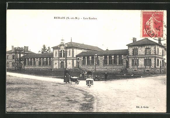 AK Rebais, Les Ecoles, Strassenpartie an der Schule 0