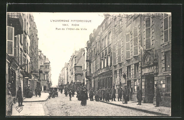 AK Riom, Rue de l'Hotel-de-Ville 0