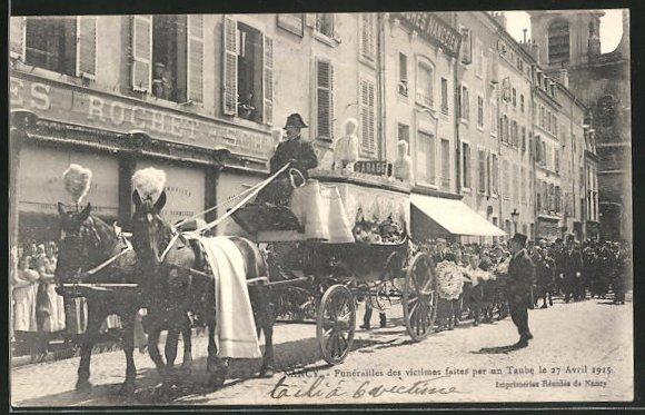 AK Nancy, Funérailles des victims faites par un Taube 27 Avril 1915 0