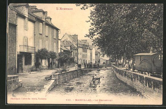 AK Marcillac, Le Boulevard, Strassenpartie am Fluss 0