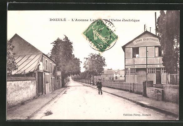 AK Dozulé, L'Avenue et l'Usine électrique 0