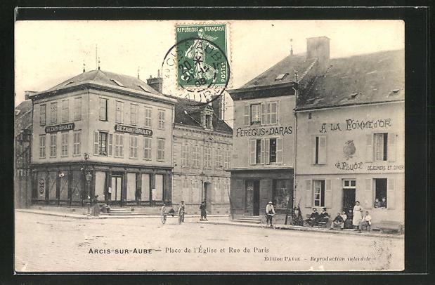 AK Arcis-sur-Aube, Place de l'Église et Rue de Paris 0