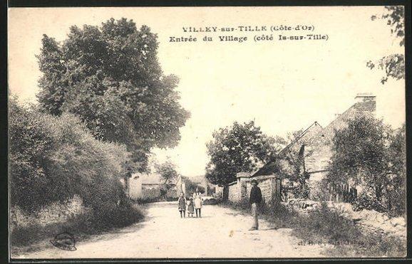 AK Villey-sur-Tille, Entrée du Village, Strassenpartie 0