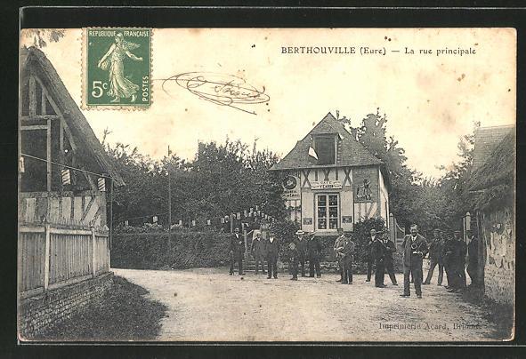 AK Berthouville, La Rue Principale 0
