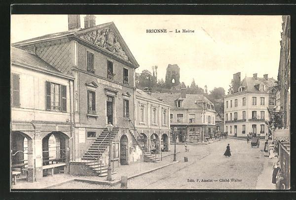 AK Brionne, La Mairie, Strassenpartie am Rathaus 0