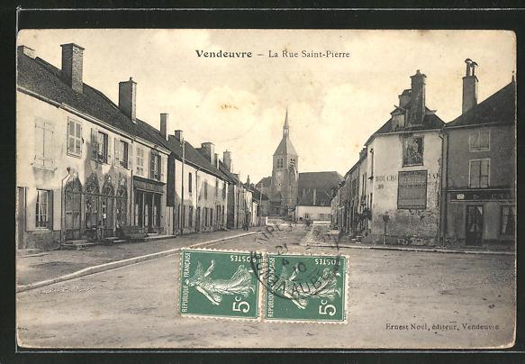AK Vendeuvre, La Rue Saint-Pierre