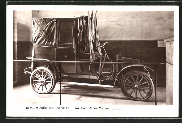 AK Musee de l'Armee, un taxi de la Marne, Auto