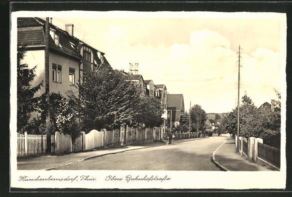AK Münchenbernsdorf i. Thür., Partie in der Oberen Bahnhofstrasse