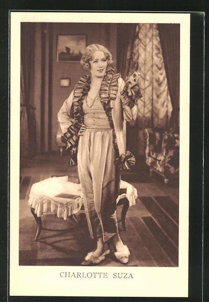 AK Schauspielerin Charlotte Suza im Kostüm einer Filmrolle