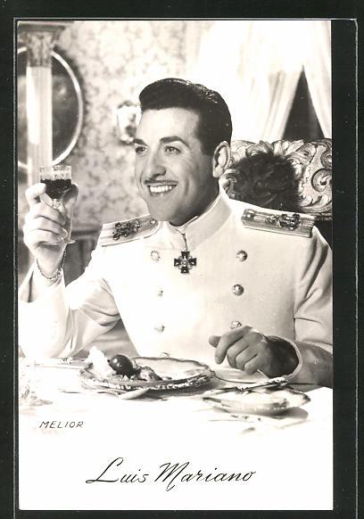 AK Schauspieler Luis Mariano im Kostüm seiner Filmrolle
