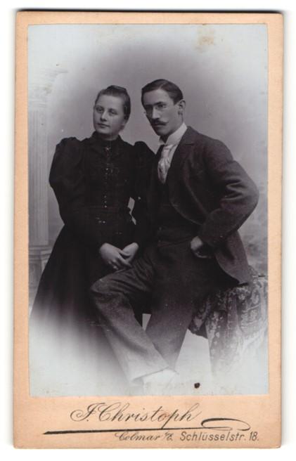 Fotografie J. Christoph, Colmar i/E, Portrait junges bürgerliches Paar